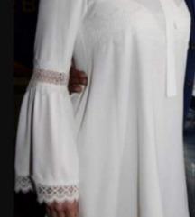Bela cipka  mini haljina A kroja
