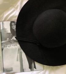 Missguided šešir