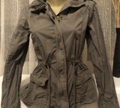 Maslinasta jaknica s kapuljacom