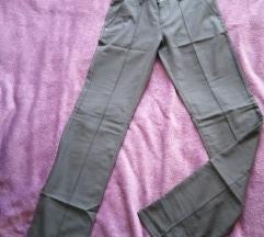 Pantalone muske