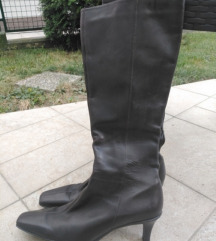 Nove Ann Taylor cizme
