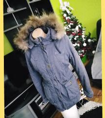 Teget deblja jakna sa krznom .....