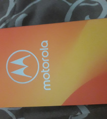 Novi Motorola e5 play telefon