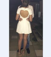 Bela haljinica sa izrezom srca