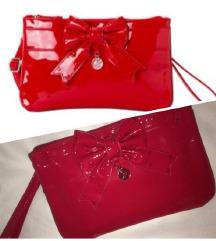 Carpisa crvena lakovana torbica