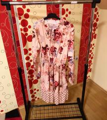 Cvetna haljina sa dugim rukavima