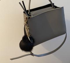 Zara torbica i privezak