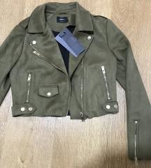 Only nova jakna sa etiketom