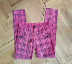 Pink pantalone karirane