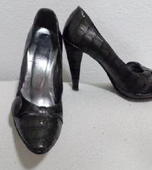 Italijanske cipele na stiklu
