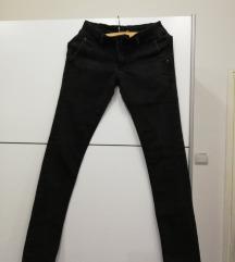 Crne pantalone kezual/elegantne