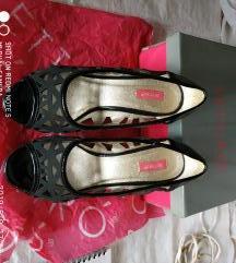 Settiro crne sandale sa rupama 38