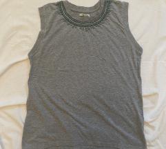 Zara majica s prisivenim detaljima