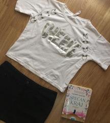 Crop majica i H&M teksas suknja
