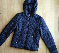Bershka crna jaknica M/L
