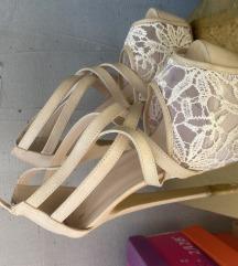 Sandale/štikle kao nove