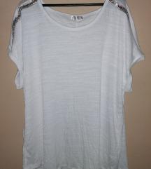 Nova bela majica - bluza...