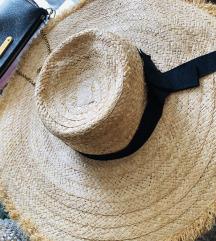 Damski slamneni šešir