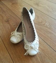 Bele cipele NOVO