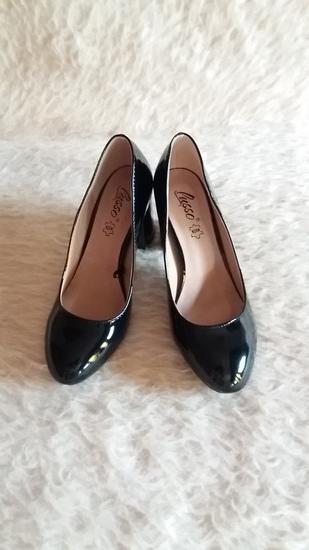 Lak crne cipele Novo