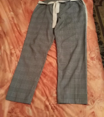Moderne karirane pantalone