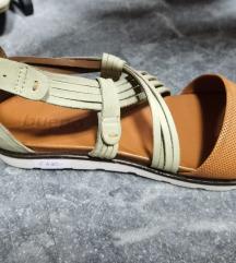 Bueno ravne sandale