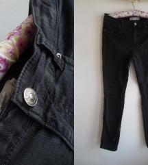 H&M crne pantalone, 38
