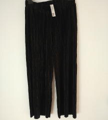 Nove plisirane pantalone