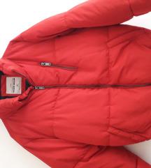 Crvena jakna