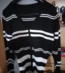 Crno beli džemper 38 M