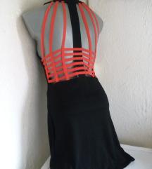 Narandzasta mreza nacrnoj haljini S