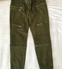 Maslinasto zelene pantalone Zara
