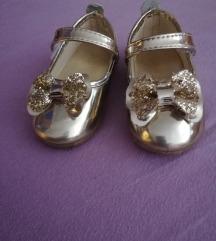 Decije lakovane cipele