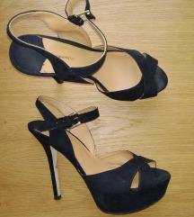 Crne sandale na štiklu