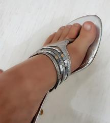 Srebrne sandale 350