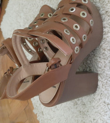 Sandale na stikle