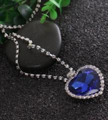 Ogrlica sa kristalnim srcem