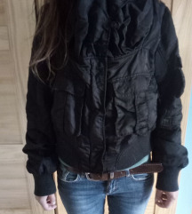 Guess kraca jakna L