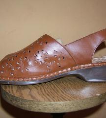 Lagane zumbane sandale