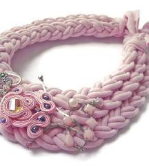 baby pink ogrlica