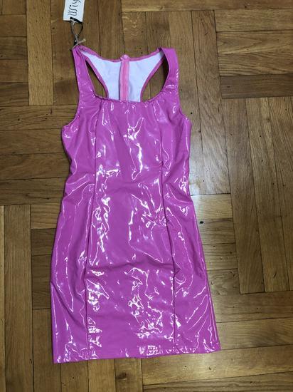 NOVO Pink latex haljina Barby