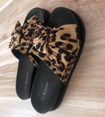 NOVE zenske papuce