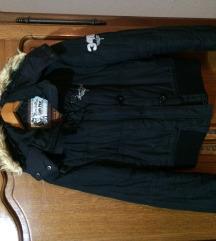 Crna sportska jakna