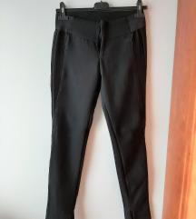 Bershka crne pantalone XS/S