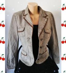 retro jaknica iz 2000tih