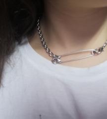 Ogrlica sa zihernadlom