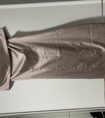 Satenska haljinica na ramenima jednom nosena