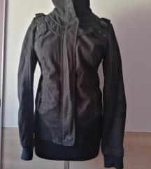stradivariju crna jaknica dzak