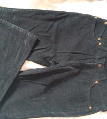 *BESPLATNA POŠTARINA* Levis somotske pantalone