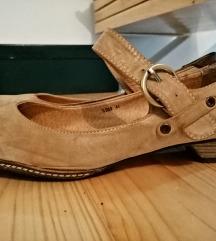 Cipele sa malom štiklom! Besplatna poštarina